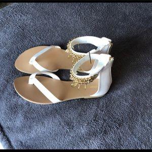 Shoe Dazzle Shoes - NWOT Shoedazzle ®️.Gold dangles. Perfect condition
